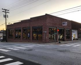 The Blue Door Bottle Shop exterior image